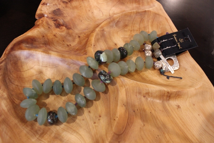 Collier-green